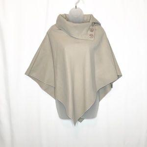 Moda Italia light tan felt button collar poncho